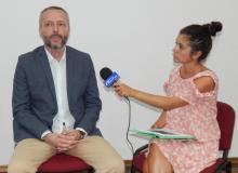 Aleksandar Olenik: Advokat u politici